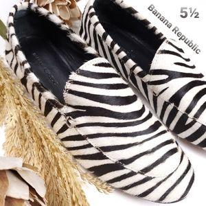 Banana Republic Zebra Stripe Calf Fur Flats 5.5